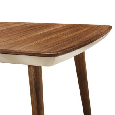 Tisch flaye in Nussbaum