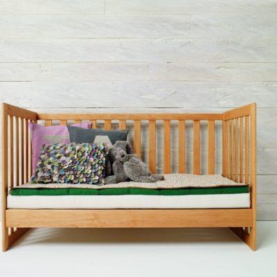 Gitterbett MOBILE kann später zu einem gemütlichen Sofa umgebaut werden