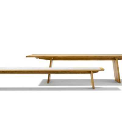 Sitzbank nox und Tisch nox mit Holzwangenfüßen