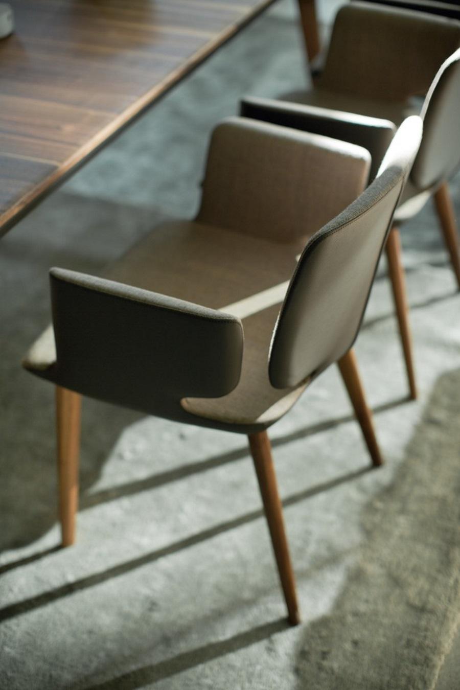 stuhl aye stoff leder und holz biom bel bonn. Black Bedroom Furniture Sets. Home Design Ideas