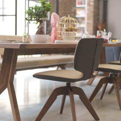Tisch yps mit Stuhl aye