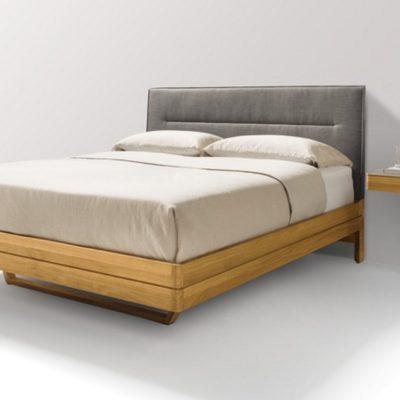 Bett float in Eiche mit Stoffhaupthaupt und den Hängenachtischen float