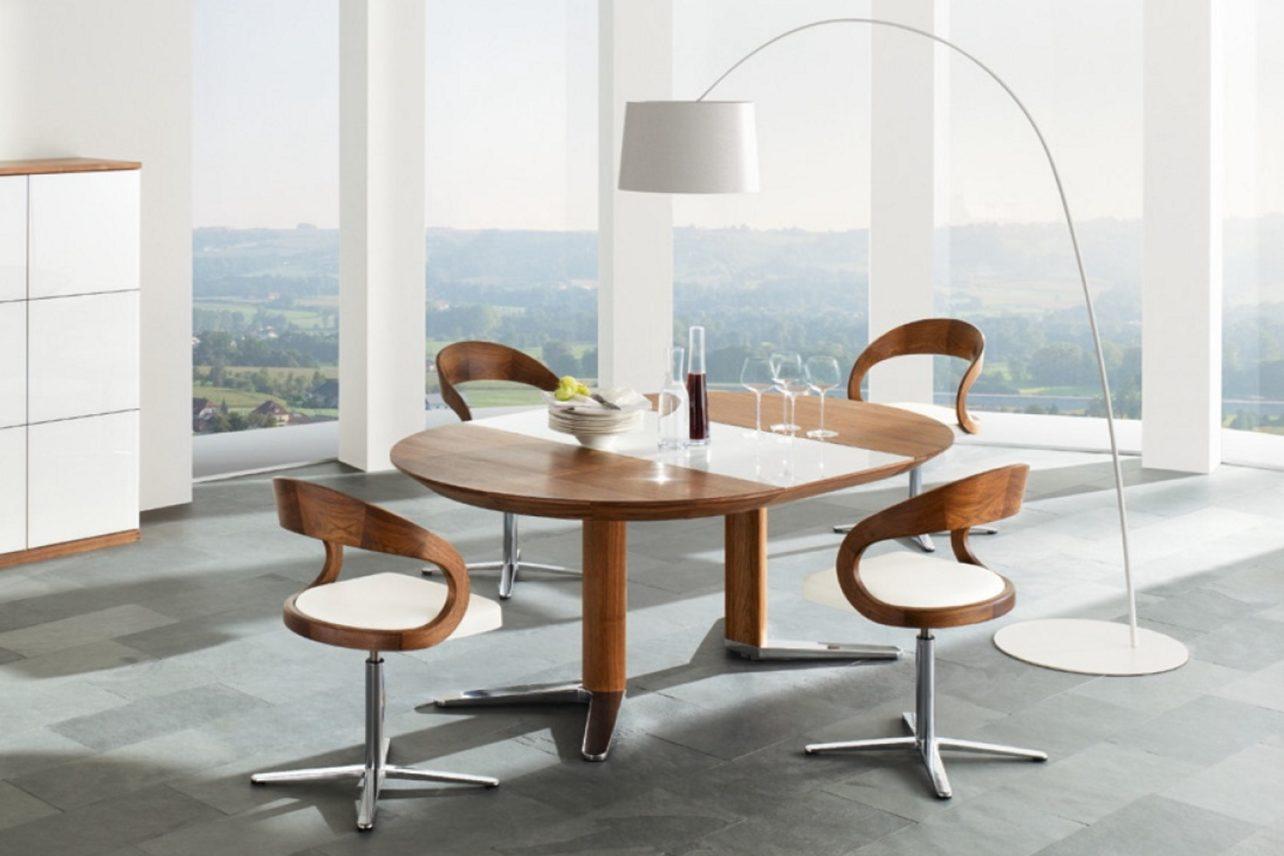 Tisch girado in Kirschbaum mit Bestuhlung girado