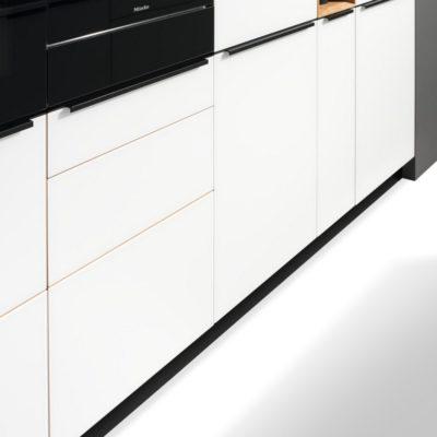 Küche linee Griffprofil und Touchbeschlag