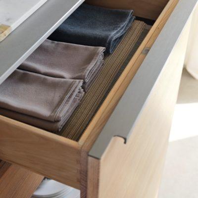 Küche filigno Unterschrank mit korpushohem Auszug und mitlaufender Innenladen