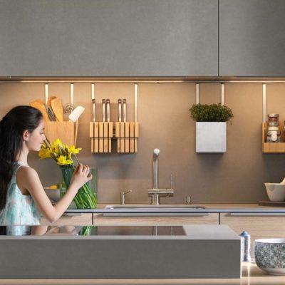 Küche filigno mit gezielt eingesetzten Keramikoberflächen