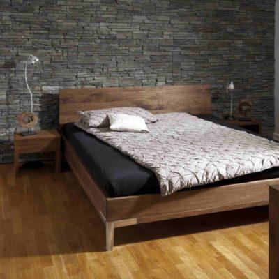 Massivholzbett Uno in Astnuss geölt mit stabilen Aluminiumfüßen