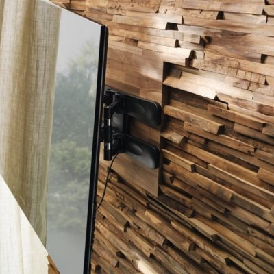 Wandverkleidung Waldkante in Nussbaum-TV-Aufhängung