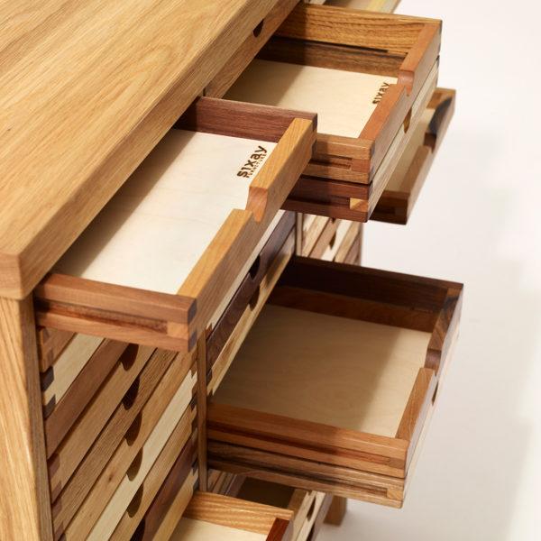 Detail - Kommode Sixtematic Schubladen Auszug