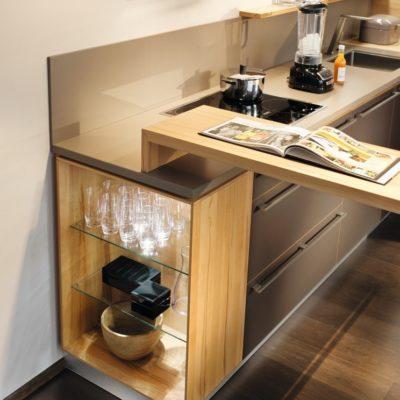 Küche l1 mit Beleuchtung im offenen Element