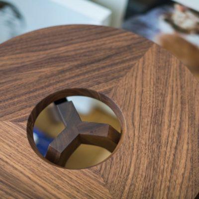 Beistelltisch treeO mit eleganter Holzverbindung