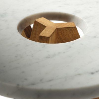 Beistelltisch treeO mit Carrara-Marmorplatte
