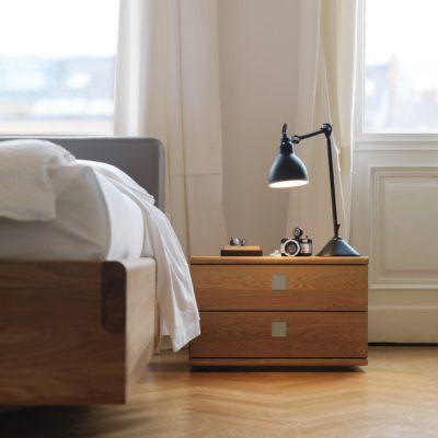 Nachtkästchen nox mit 2 Laden in Eiche neben Bett nox