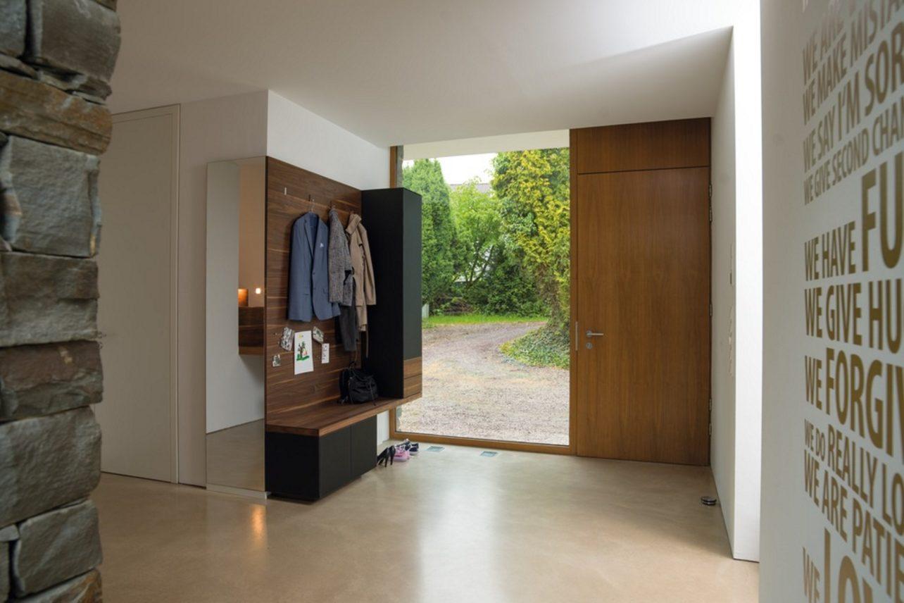 Garderobe cubus pure in Nussbaum