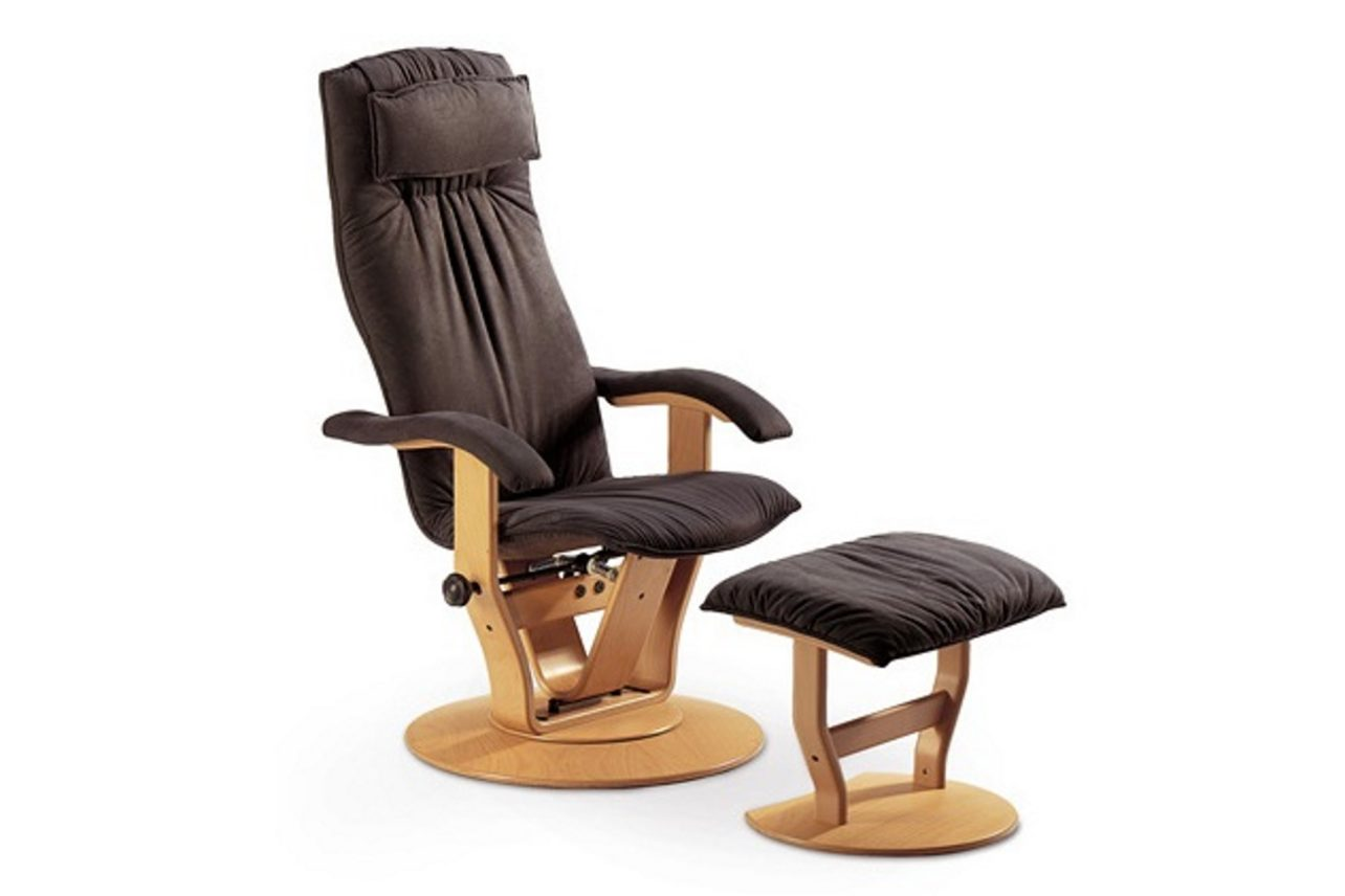 Sessel MOIZI 13 der Bewegungssessel mit wählbarem Hocker und Pendel-Kopfkissen