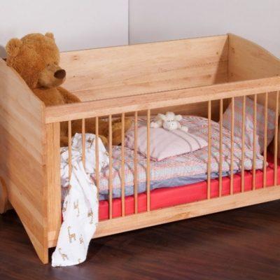 Gitterbett mit Öffnung