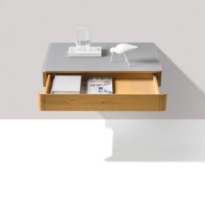 Nachttisch float schwebend mit Glasabdeckung und geöffneter Lade