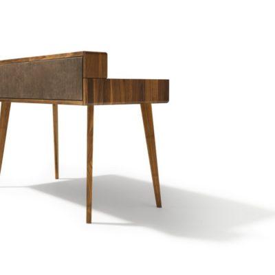 Schreibtisch sol mit Rückwand in Leder