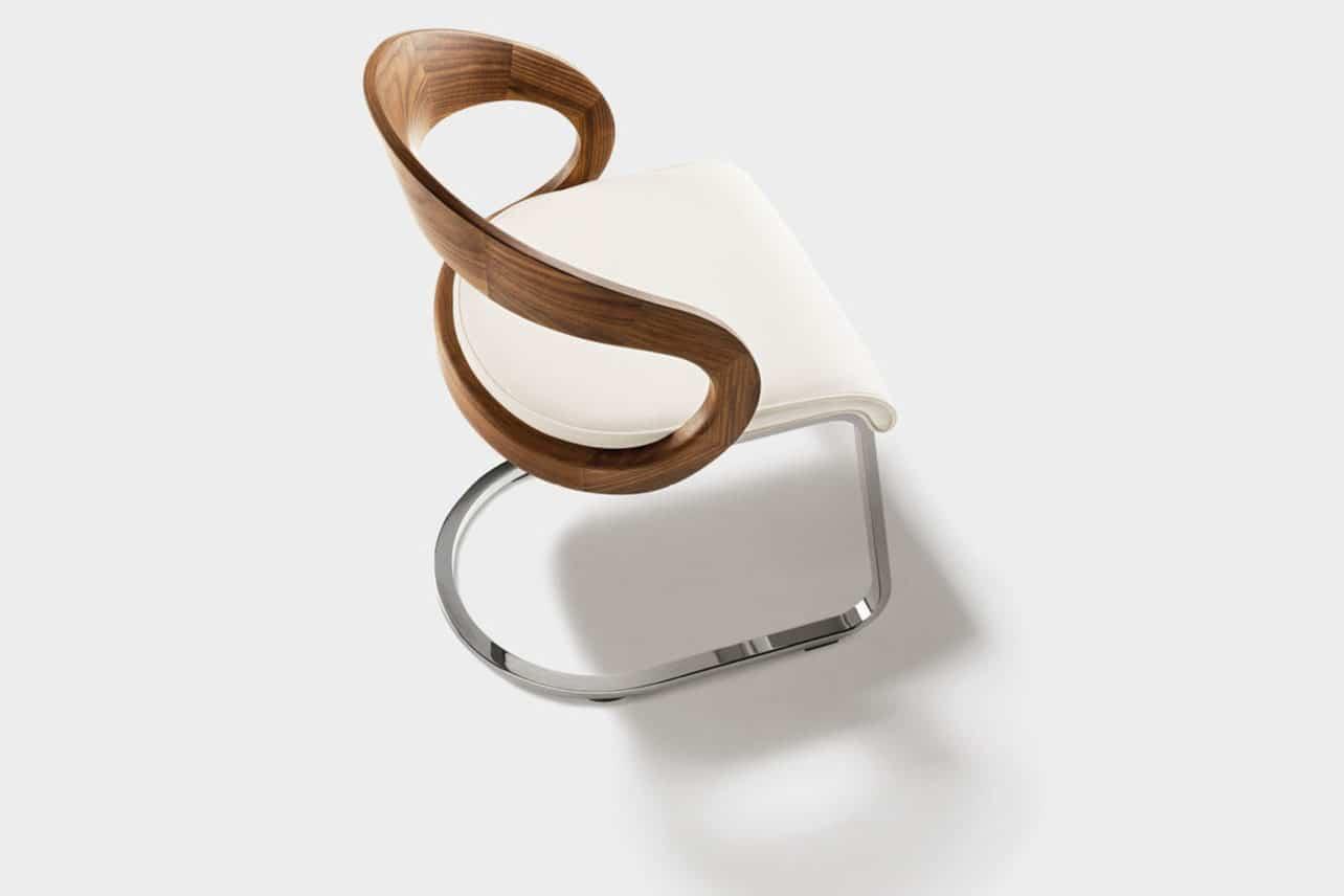 Freischwinger Stuhl girado mit Rückenlehne in Nussbaum Holz, Gestell in Stahl chrome glänzend