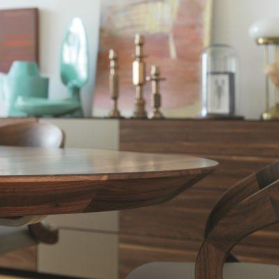 Tisch girado mit eleganter Tischkante