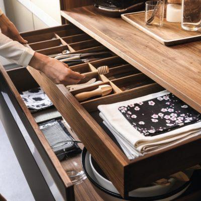 Küche k7 Ladenschübe mit Besteckeinsatz