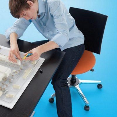 Bürostuhl M33 der Bewegungsstuhl für Kreative