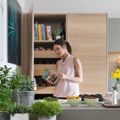 Küche filigno-Hochschrank mit Innenladen