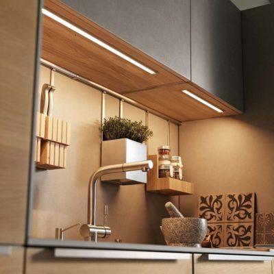 Küche filigno mit eingelassenen LED-Lichtprofilen