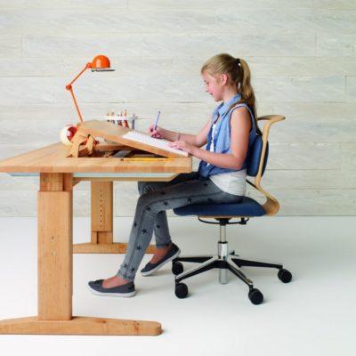 Schreibtisch-Drehstuhl mobile mit passenden Einstellungsmöglichkeiten für jede Altersgruppe