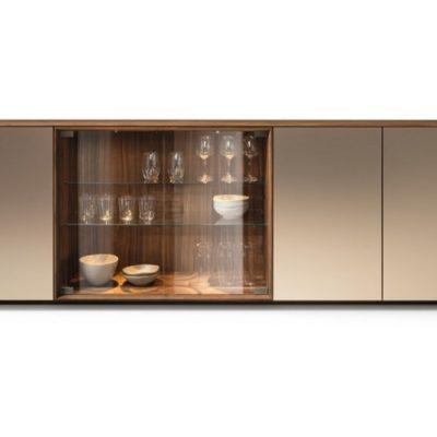 Anrichte filigno in Nussbaum, Farbglas Bronze und Glasschiebetüren