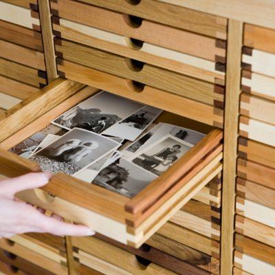 Kommode SIXtematik - Platz für die Fotosammlung