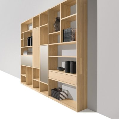 Regal cubus in Eiche weiss mit Laden und Türen in Holz und Farbglas