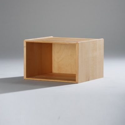 Stapelbox halbhoch mit geschlossenen Seiten
